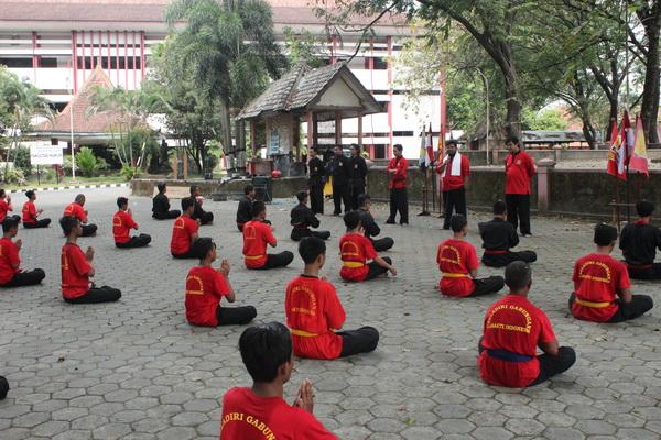 HAKESA Perguruan Tenaga Dalam Terbaik di Buru Selatan