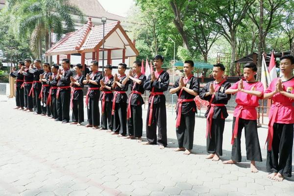 Menerima Saudara Baru Perguruan Tenaga Dalam HAKESA Bangli