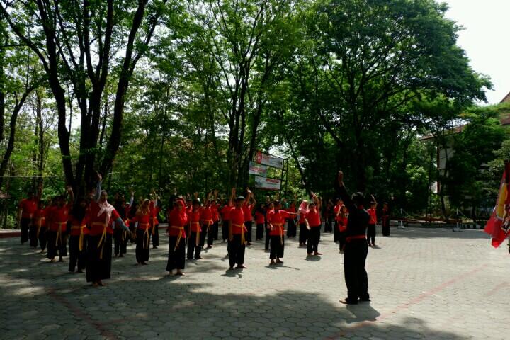 Latihan Olah Raga Pernafasan Hakesa Di Mataram
